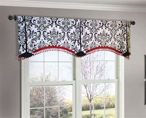 Are Cornice Boards In Style 25 Best Ideas About Window Valances On Window