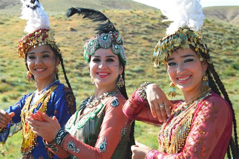 uzbek traditional music and dance in bukhara 1 all the beauty of nation in uzbek dance