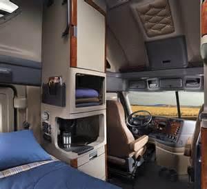 18 Wheeler Truck Interior Accessories Inside Freightlinertrucks Semi Tractor Trailers