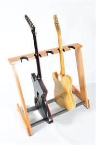 Studio Decor Display Case 25 Melhores Ideias Sobre Suporte De Guitarra No Pinterest