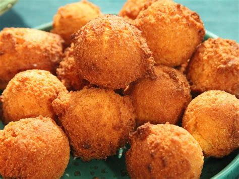 jalapeno hush puppies hush puppies with jalapeno peppers what2cook