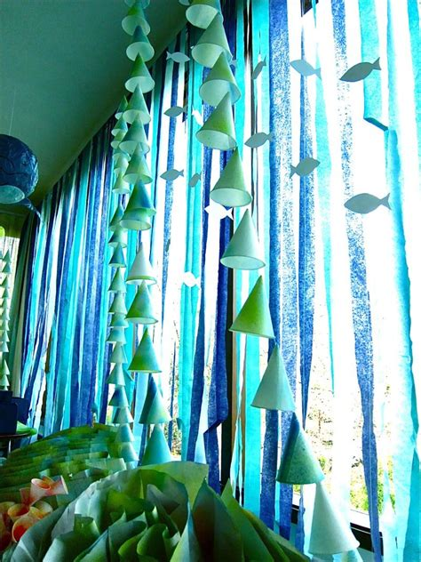 hang crepe paper streamers   window   underwater