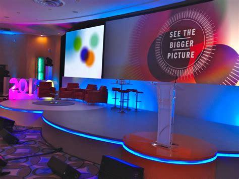google design conference conference set design google търсене stage design