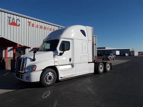 2014 Freightliner Cascadia Evolution Interior by Document Moved