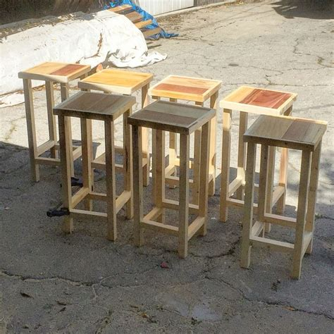 Bar Stools Made From Pallets by Best 25 Pallet Bar Stools Ideas On