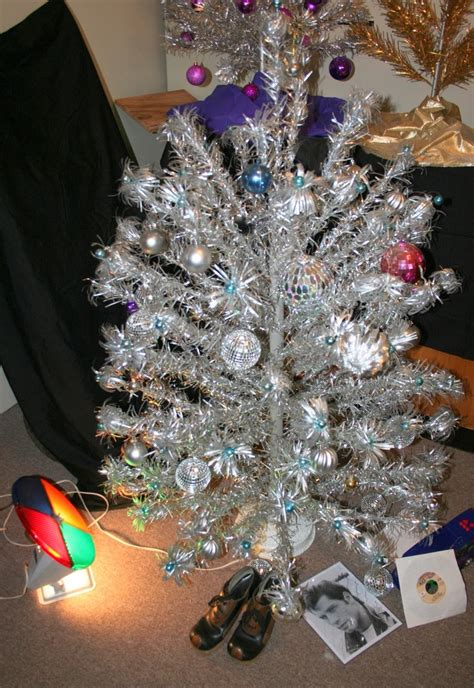 28 best aluminum foil christmas trees pin by mickeyjo