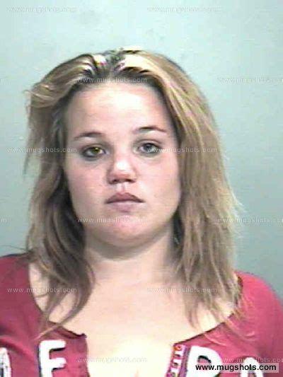 Black Hawk County Iowa Arrest Records Shelbie Whitzell Mugshot Shelbie Whitzell Arrest Black Hawk County Ia