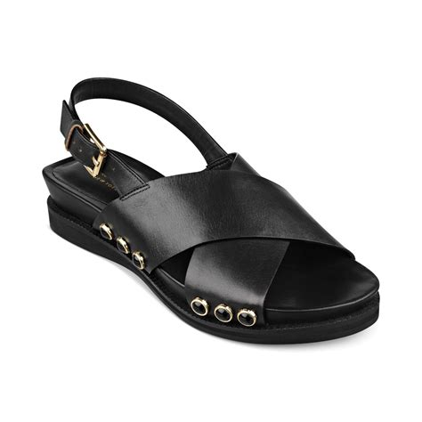 isaac mizrahi sandals isaac mizrahi new york flat sandals in black lyst