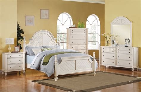 Decorating Ideas For A Bedroom With White Furniture Bedroom Bedroom Decorating Ideas With White Furniture