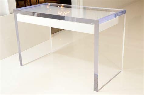 Perspex Computer Desk Best 25 Lucite Desk Ideas On Pinterest Clear Desk Glass Desk And Home Office