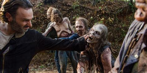 the walking dead wann im tv thorpe park announces official walking dead mazes for