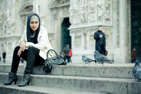 foto foto liburan dian pelangi hei para hijabers kalian bisa tetap til keren saat