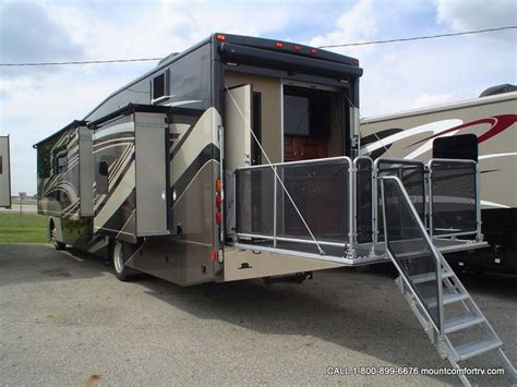 Rv With Patio by Thor Outlaw 38re Quot Residence Edition Quot With Patio Deck And