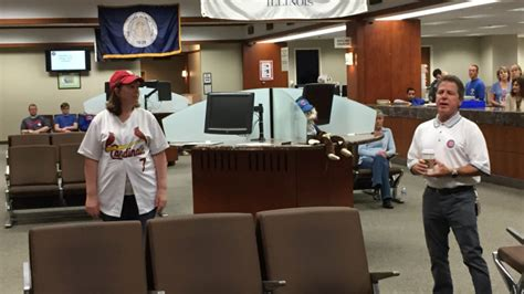 Dupage County Circuit Clerk Search Cubs Cardinals Bet Doesn T Pay For Downstate Court Clerk 171 Cbs Chicago