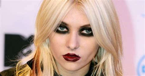 10 things you didn t know about taylor momsen rebelcircus