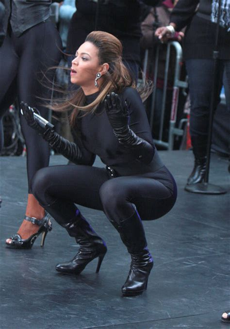more pics of beyonce knowles knee high boots 23 of 35