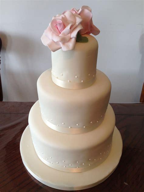 three tier 3 tier simple wedding cakes cake decotions