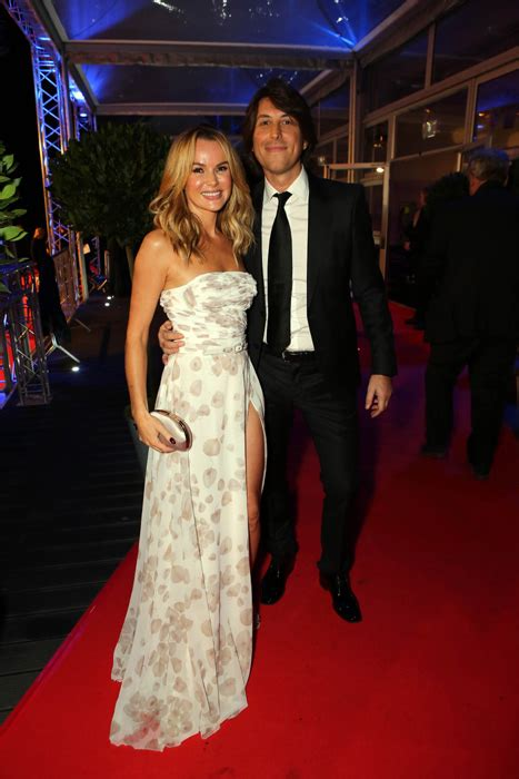 amanda holden and family amanda holden reveals therapy helped get baby losses