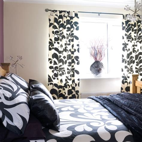 black and white curtains for bedroom damask style bedroom black and white bedroom ideas