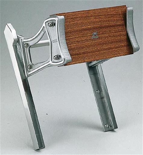 outboard motor lift bracket outboard bracket lifting system