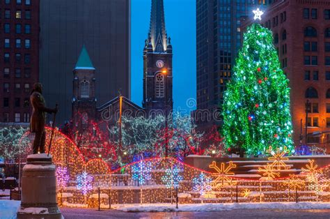 Downtown Cleveland Christmas Lights Decoratingspecial Com Downtown Cleveland Lights