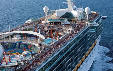 best deck on of the seas the top deck of the royal caribbean freedom of the seas