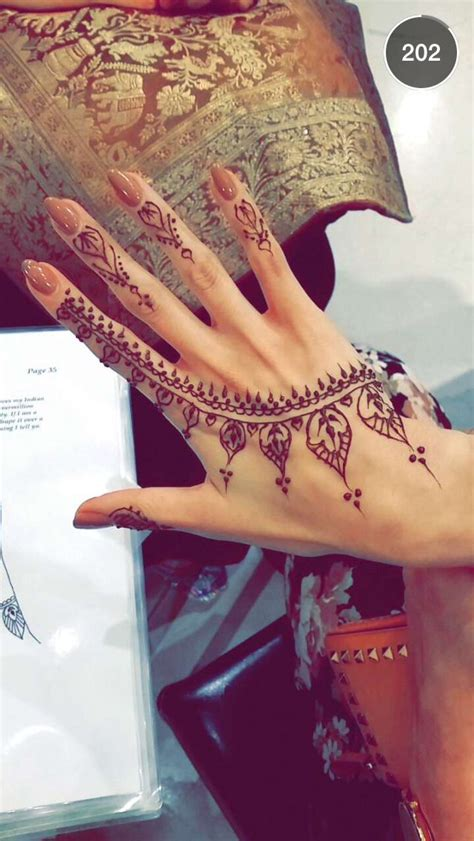 Stylish Finger by Stunning Stylish Mehndi Designs For Finger Nationtrendz
