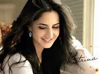 Bollywood Actress Katrina Kaif Cute Smile Picture – HD Wallpapers