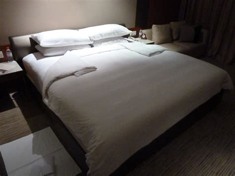 how to make a hotel bed 48 hours in kuala lumpur