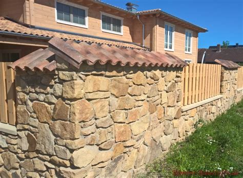Rustikale Gartenmauer coppo di domenica farbe assisi bilder