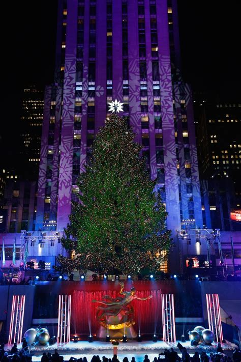 how many lights are on the rockefeller tree rockefeller center tree lights up the seattle times