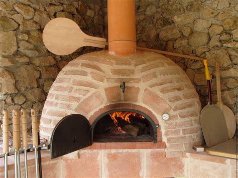Construire Four A Pizza 2700 by Construire Four A Pizza Comment Construire Un Four Pizza
