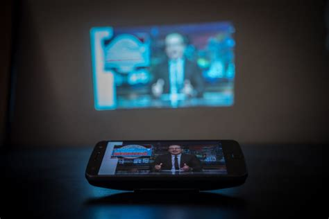 Moto Z Projector moto mods review blast power and project in a snap android authority
