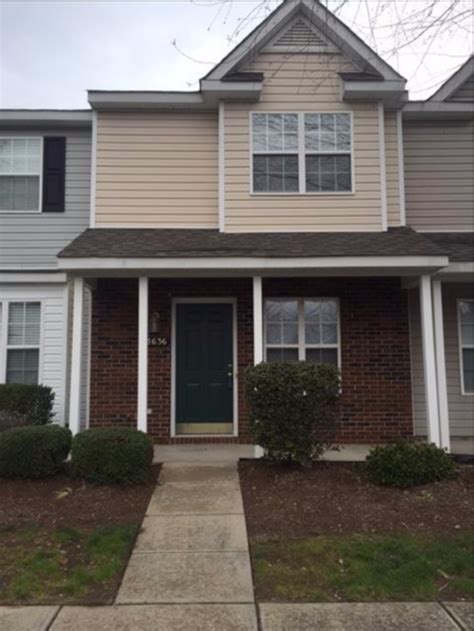 charlotte townhouses for rent in charlotte townhouse townhouse for rent in 13636 meade glen court charlotte nc