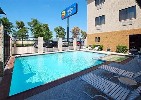 comfort inn dallas airport comfort inn dfw north irving dallas fort worth airport