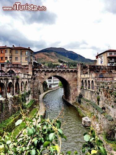 fiume bagna praga il deva il fiume deva bagna il borgo di potes