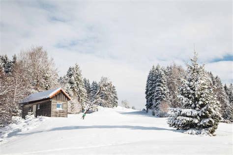 holzhütte im schnee mieten feuer wasser schnee winter im allg 228 u blickgewinkelt