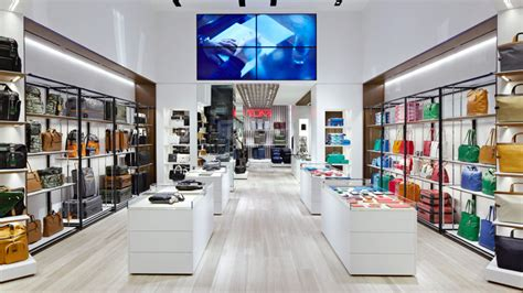 interior design stores nyc tumi flagship store by dror opens on avenue in nyc