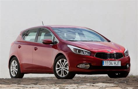 Kia Ceed Diesel Review Kia Ceed Hatchback 2012 Reviews Technical Data Prices