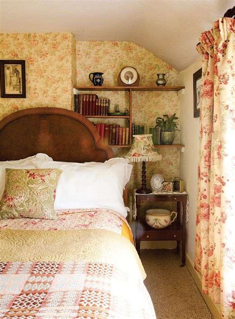 country cottage bedroom the 25 best ideas about cottage bedrooms on pinterest
