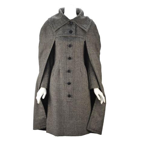 Houndstooth Dress Set 1950s christian houndstooth designer cape and dress