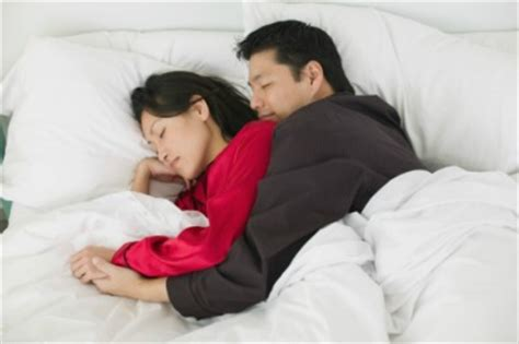 Cuddling In Bed Meaning by What Your Sleeping Position Says About Your Relationship