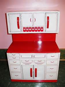 1950s kitchen cabinets 1950s tin kitchen cabinet retro toy by wolverine red and white