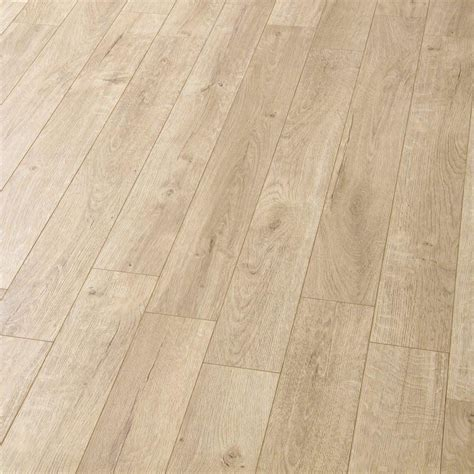 Balterio Estrada 8mm Tundra Oak Laminate Flooring   Leader