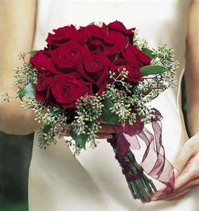 Buket Mawar Satin Merah buket mawar yang indah everything around me