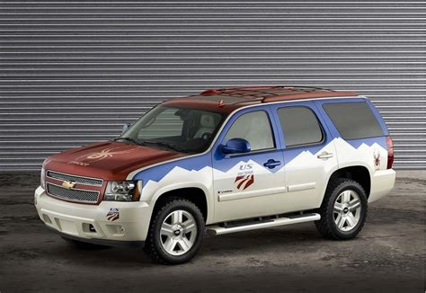 how do cars engines work 2006 chevrolet tahoe security system 2006 chevrolet tahoe chevy pictures photos gallery motorauthority