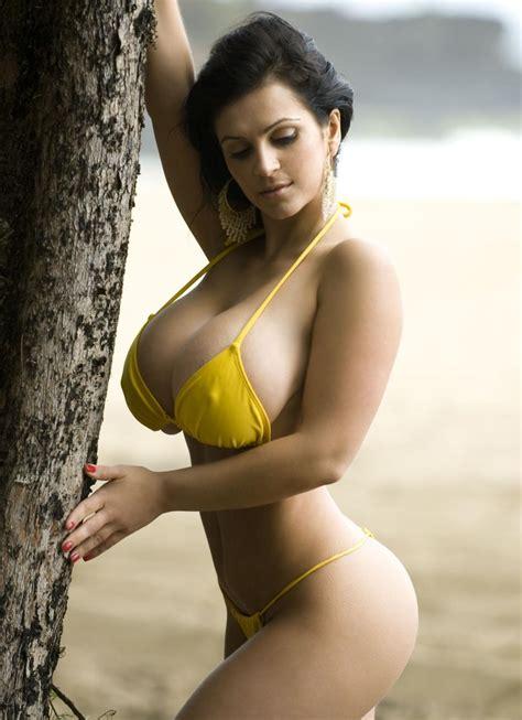 Hot brazilan women