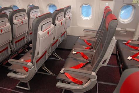 schiebetür außen der neue an bord aua pr 228 sentiert neues kabinendesign