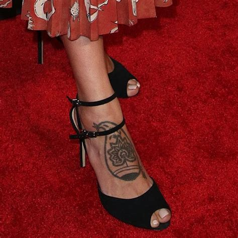 eiza gonzalez tattoos foot and leg tattoos 19 showing their ink
