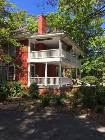 red house inn brevard the red house inn brevard отзывы фото и сравнение цен